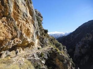 Trail Run Spain / Trailløb i Spanien. Vi bor i Alahama de Granada ved en smuk kløft, som giver en række muligheder for betagende ture.